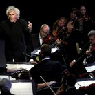Simon Rattle Chariots of Fire Opening Ceremony