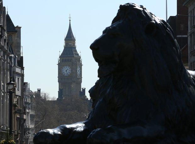 trafalgar square lion big ben
