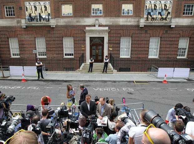 royal baby media outside lindo wing