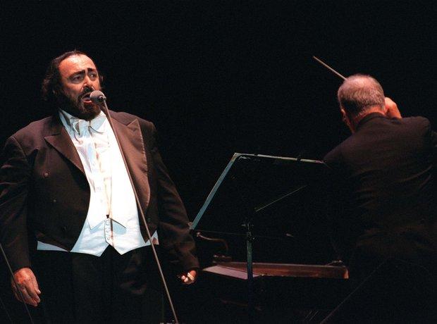 pavarotti album guide