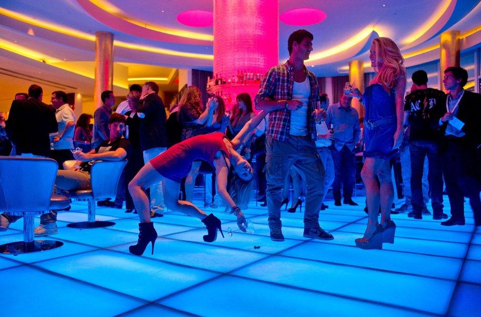 Dancers among us photos
