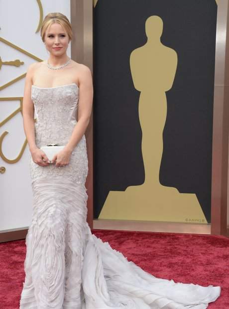 Kristen Bell at the Oscars 2014 red carpet