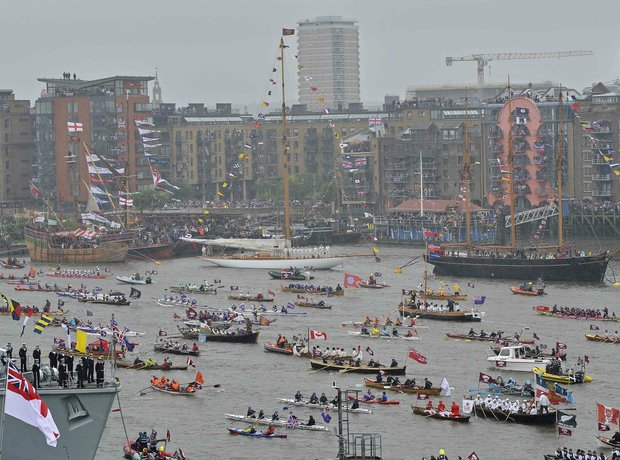 London Diamond Jubilee River Pageant 2012
